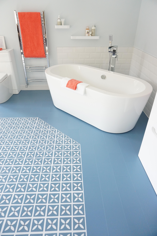 Bathroom floor vinyl tile